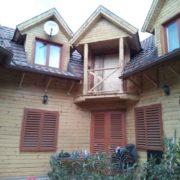 Faház festékrétegének eltávolítása, faház felújítás előkészítése