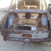 Oldtimer autó homokfúvása